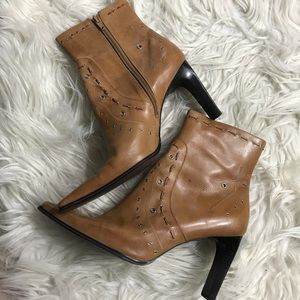 Nine West 8.5 Pointed Toe camel leather boots